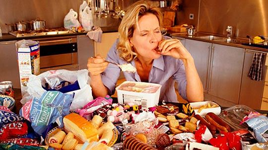 cuantas calorias diarias tiene que consumir una mujer