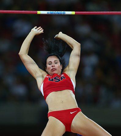 Jennifer Suhr de los Estados Unidos compite en salto con pértiga femenino final. (Foto por Michael Steele/Getty Images)