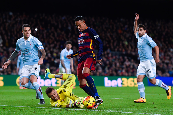 Neymar of FC Barcelona competes for the ball with Sergio Alvarez of RC Celta de Vigo during the La Liga match between FC Barcelona and Celta Vigo at Camp Nou on February 14, 2016 in Barcelona, Spain. (Photo by David Ramos/Getty Images)