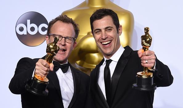 Josh Singer y Tom McCarthy (FREDERIC J. BROWN/AFP/Getty Images)
