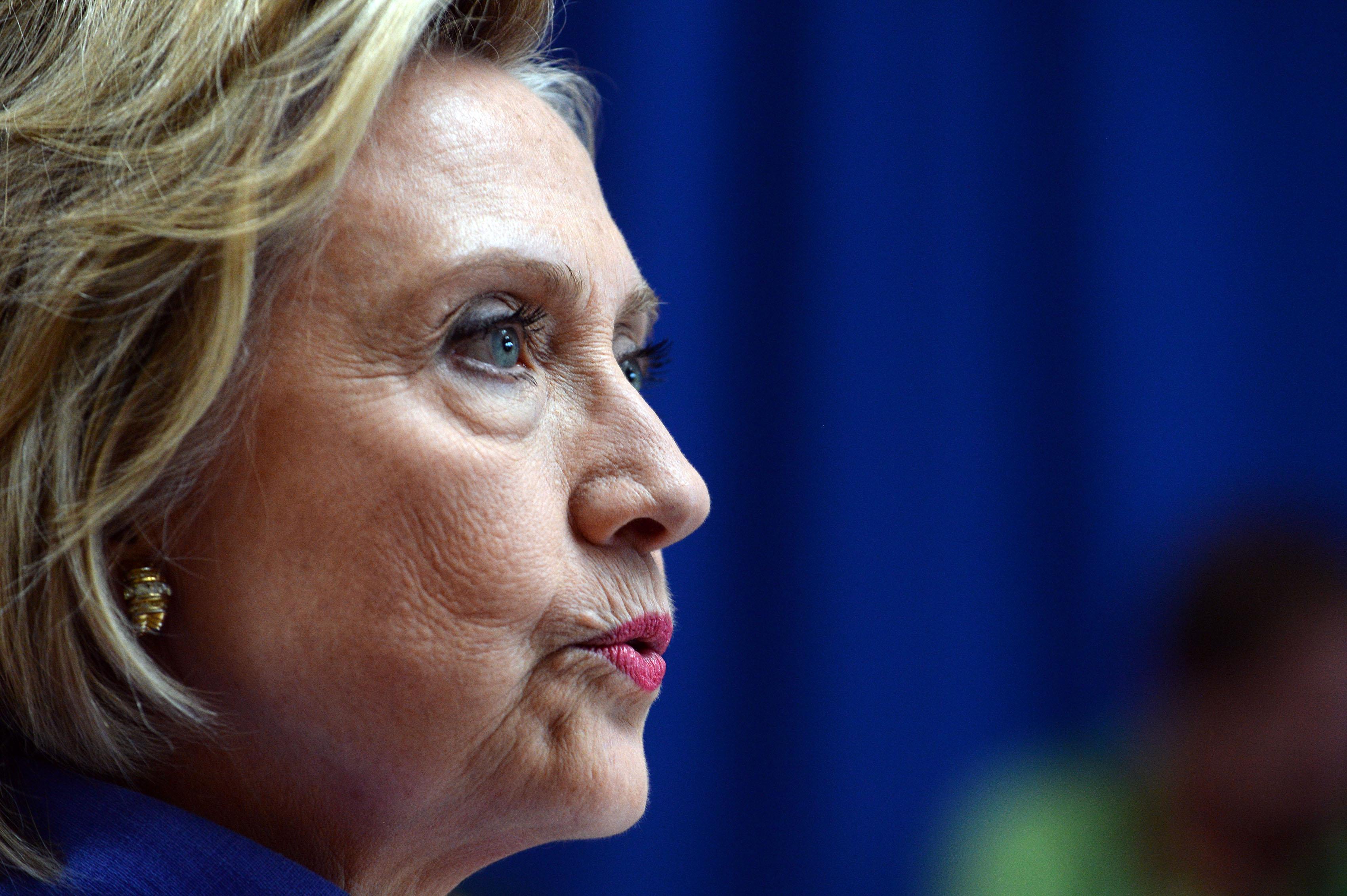 Al descubierto: Bajo investigación judicial, lo que calla la prensa sobre Hillary Clinton