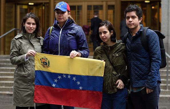 Venezolanos en Miami apoyan enmienda constitucional para sacar a Maduro del poder. (Foto: DON EMMERT/AFP/Getty Images)