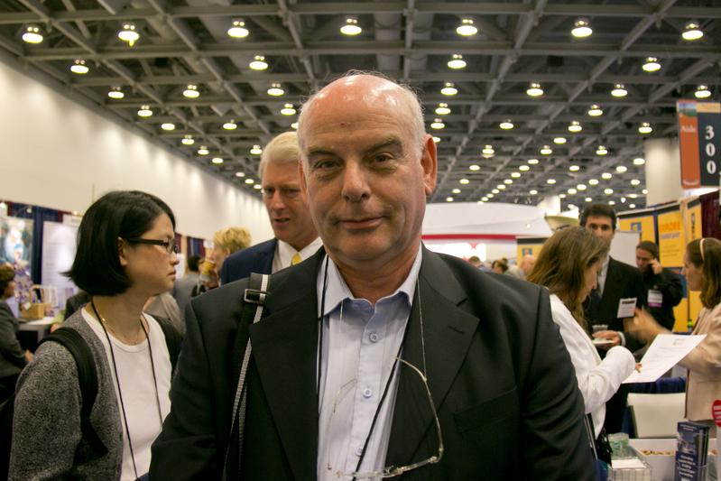 El profesor Jacob Lavee, director de la Unidad de Trasplante Cardíaco en el Centro Médico Sheba, el centro médico más grande de Israel. (Alex Ma/La Gran Época)