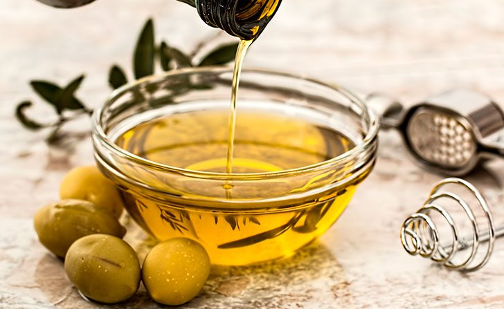 Propiedades y beneficios del aceite de oliva con limón. Foto: Pixabay