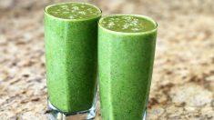 Jugo de apio, zanahoria y lino para depurar el organismo y fortalecer el colon