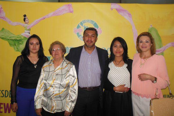 Shen Yun trae esperanza a la familia mexicana