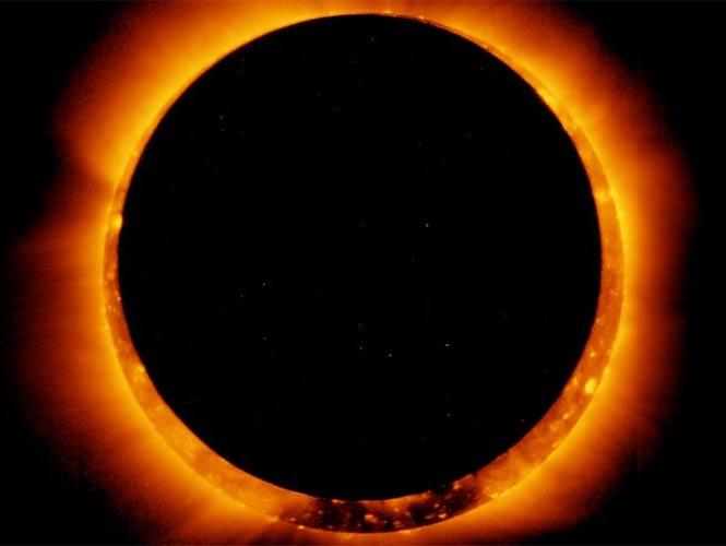 Eclipse Solar Anular Total. ( NASA)