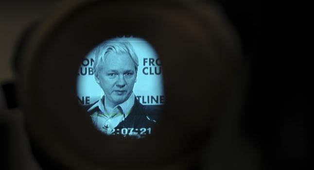 Fundador de WikiLeaks, Julian Assange, mientras habla en conferencia de prensa en Londres el 27 de febrero de 2012. (Carl Court/AFP/Getty Images)