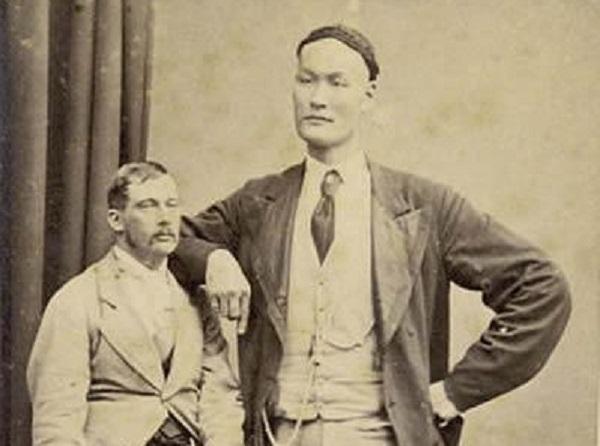 Zhan Shicai, un conocido gigante chino del siglo 19. (via Toutiao.com)