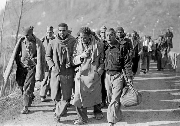 Foto con fecha de febrero de 1939 soldados republicanos españoles que huyen de España y llegan a Francia después de la victoria del general Franco durante la Guerra Civil española. (Foto: STF/AFP/Getty Images)