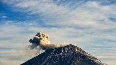 Volcán Popocatépetl emitió una nube de cenizas de 2.000 metros