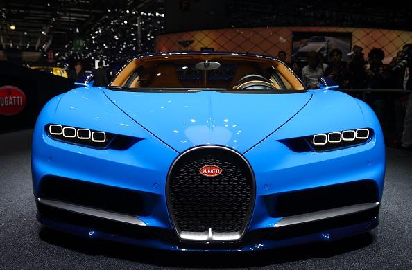 Un modelo de automóvil Bugatti Chiron se muestra durante el día de prensa del Salón de Ginebra el 1 de marzo de 2016 en Ginebra. (Foto: FABRICE COFFRINI/AFP/Getty Images)