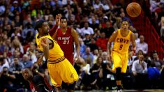 Miami Heat aplastó a Cleveland en una noche histórica para Wade