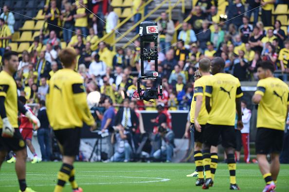 Fútbol soccer recurriría pronto a la repetición instantánea (Foto por equipo 2 Sportphoto/ullstein bild via Getty Images)