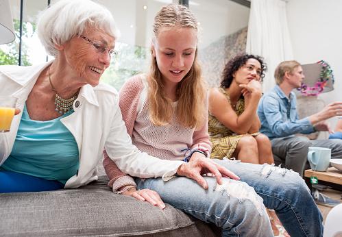 En el origen del envejecimiento desempeña un papel muy importante la progresiva acumulación de daños en las células (Foto: www.gettyimages.es)