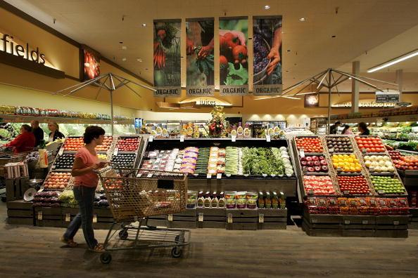 Según una ONG francesa, las frutas y verduras que se compran cotidianamente en los supermercados contienen restos de pesticidas agrotóxicos. (Foto: Justin Sullivan/Getty Images)