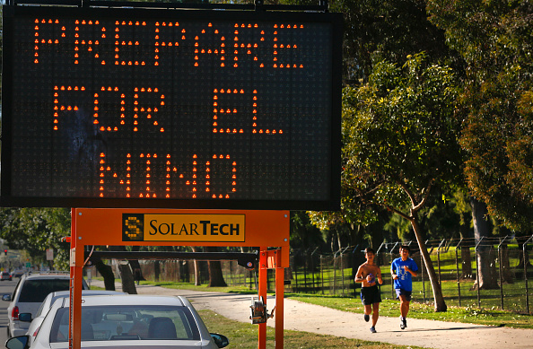 """Cartel colocado en California del Sur, Estados Unidos, recordando a la gente para que se """"prepare para El Niño"""" 9 de febrero, 2016. (Foto: Mark Boster/Los Angeles Times/Getty Images)"""
