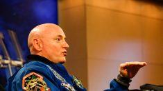 Scott Kelly se retira de la NASA tras un año en el espacio