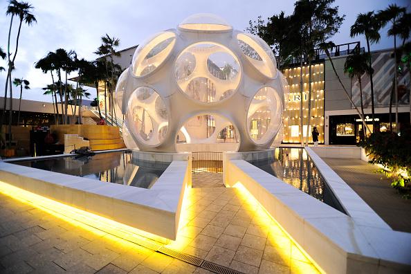 Vista general de la atmósfera en el Tour de distrito de diseño en Miami, Florida. Donde se efectuará El Foro Estratégico Mundial con el fin de explorar las oportunidades y desafíos del mercado global, servir de plataforma para negocios y fomentar el desarrollo económico sostenible. (Foto de Sergi Alexander/Getty Images)
