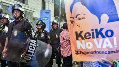 Perú: Multitudinaria protesta contra campaña de Keiko Fujimori