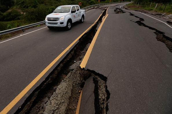 Una ruta de Chone, Ecuador, después del terremoto del 16 de abril. (JUAN CEVALLOS/AFP/Getty Images)