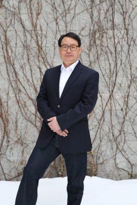Jingduan Yang dice que la salud espiritual es como el chofer de un coche — nuestra alma es el conductor y el coche es nuestro cuerpo. (Cortesía del Dr. Jingduan Yang)