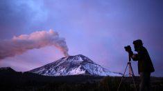 El volcán Popocatépetl, en el centro de México, mantiene intensa actividad