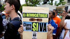 Oposición triplicó en un día cantidad de firmas necesarias para activar revocatorio a Maduro