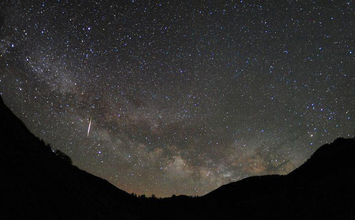 Lluvia de meteoros Líridas. (Jimmy Westlake)