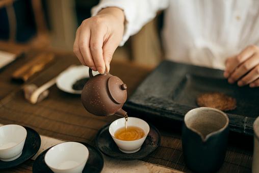 El té en la cultura tradicional china era considerado un vehículo hacia la trascendencia y la espiritualidad del alma. Foto: fancy.yan/ Getty Images