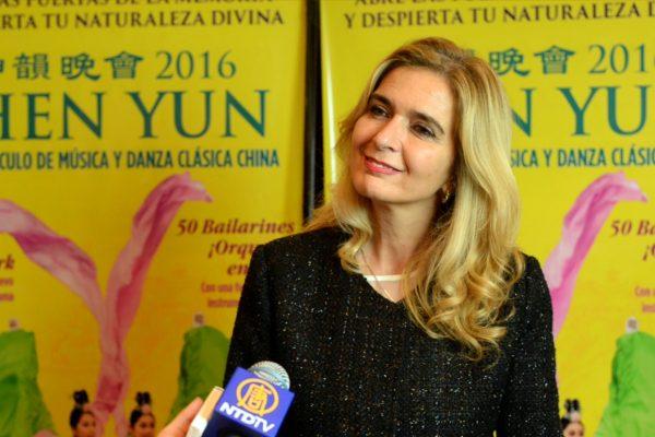 """Senadora Elías de Pérez en el estreno de Shen Yun: """"Me voy con el alma llena"""""""