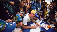 Venezuela: La oposición entregó 1,8 millones de firmas contra Nicolás Maduro