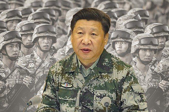 Xi Jinping en un traje de camuflaje del ejército visitó el Cuartel General de Mando Conjunto (CGMC) luego de ser nombrado comandante en jefe de la Comisión Milita Central (CMC) el 20 de abril de 2016. (Foto compuesta de La Gran Época)