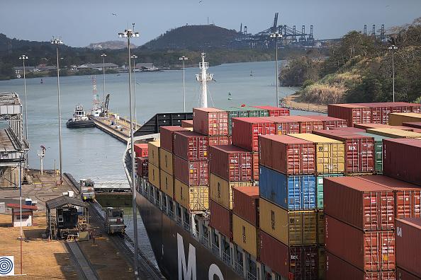 Barco carguero en el canal de Panamá,y Nicaragua, 7 de abril de 2016. (Joe Raedle/Getty Images)