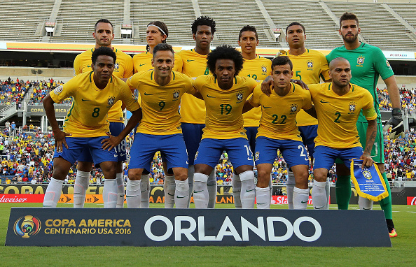 Brasil se alinea en un grupo B partido del 2016 Copa América Centenario contra Haití en el estadio Camping en 08 de junio de 2016 en Orlando, Florida. (Foto por Mike Ehrmann/Getty Images)