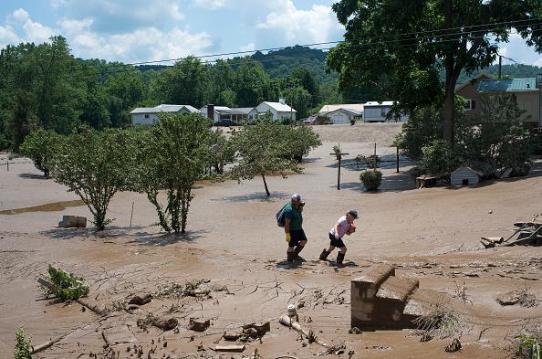 West Virginia, Estados Unidos: Las autoridades estatales todavía deben medir el tamaño de los daños y determinar su costo. Se puede tratar de algo similar a la inundación de 1985, cuando hubo daños por unos 570 millones de dólares. Foto: Ty Wright/Getty Images