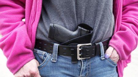 California: se dictaminó que no se podrán portar armas ocultas en público
