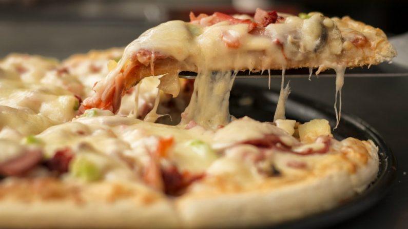 Pizzas una comida rica, rápida pero que contamina el medio por su forma de cocción. (Pixabay.com)
