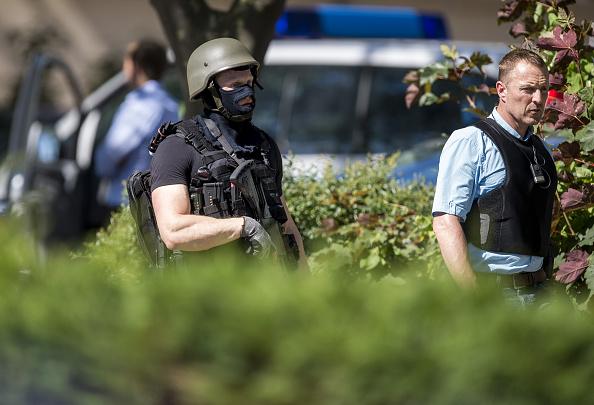 El supuesto autor de los disparos se atrincheró en el cine Kinopolis Foto: Alexander Scheuber/Getty Images