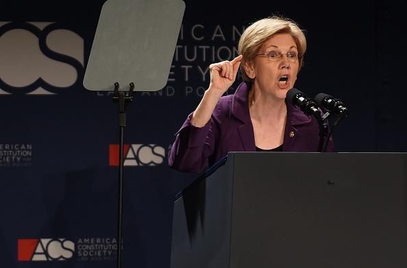 La senadora Elizabeth Warren, quien es una probable candidata a acompañar a Hillary Clinton en la fórmula presidencial. Foto: Astrid Riecken/Getty Images