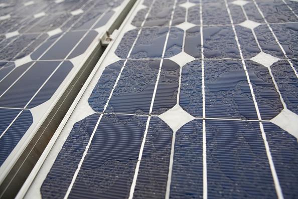Paneles solares en América capaces de obtener energía de las gotas de lluvia. (Ramin Talaie/Corbis via Getty Images)