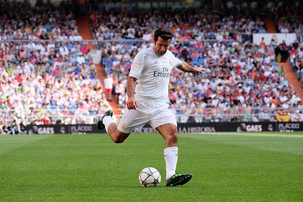 Luis Figo en las leyendas del Real Madrid. (Foto por Oscar Gonzalez/NurPhoto via Getty Images)