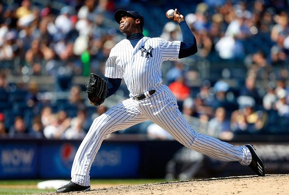 Aroldis Chapman #54 de los Yankees de Nueva York hoy de Los Cachorros de Chicago (Foto por Jim McIsaac/Getty Images)