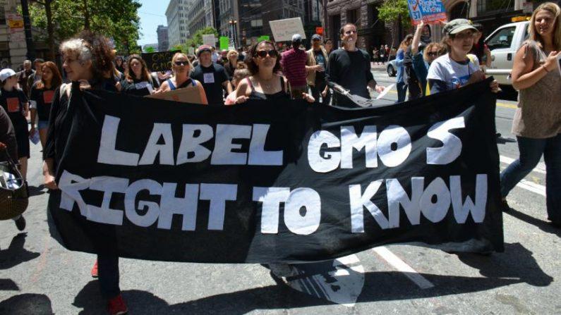Una demostración de 2013 en favor de etiquetar los alimentos transgénicos en California. Crédito: Steve Rodas / Flickr (CC BY-NC-ND 2.0)