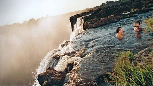 Las 11 piscinas naturales m s asombrosas del mundo for Donde queda la piscina del diablo