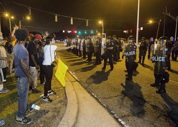 Continúan las protestas en Baton Rouge (Luisiana) por el incidente en que la policía disparó a Alton Sterling. Foto: Mark Wallheiser/ Getty Images