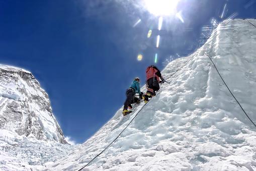 Siempre ha existido peligro en el Everest, pero los cambios en la Tierra hacen que sea aún más riesgoso. (foto Jason Maehl / Getty Images)