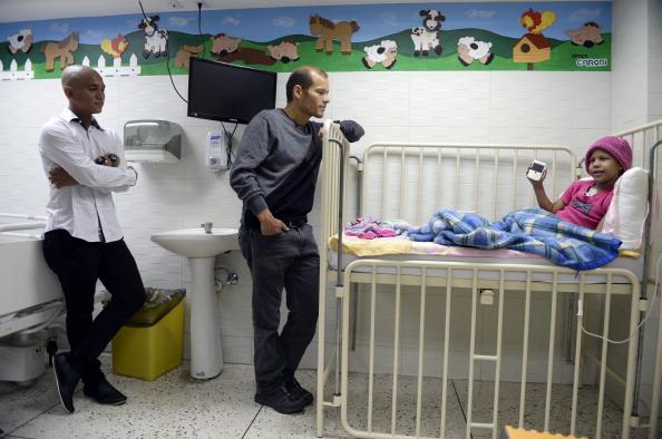La situación de muchos de los pacientes es deplorable y las autoridades siguen pidiendo que el pueblo sea optimista. (Foto: JUAN BARRETO/AFP/Getty Images)
