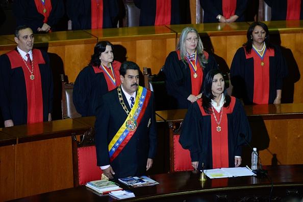 Los congresistas señalan que oficiales venezolanos, incluyendo miembros de la Corte Suprema y hasta de la policía han sido relacionados directamente con abusos a los derechos humanos. (Foto: FEDERICO PARRA/AFP/Getty Images)