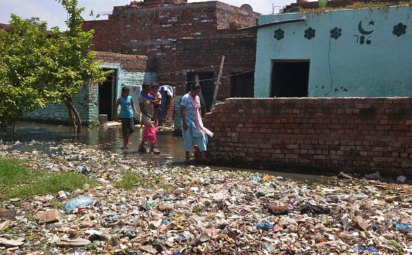 Contaminación ambiental en Amritsar, India afecta a la salud del ser humano. (NARINDER NANU/AFP/Getty Images)